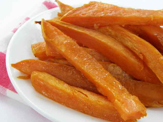 Baked sweet potato fries are easy to make and so good for you. They also add great color to your meal. Recipe on Chloe's Blog | https://chloesblog.bigmill.com/hayman-sweet-potatoes
