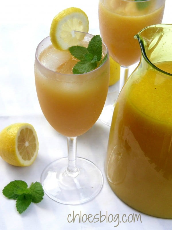 This pretty citrus punch is a real crowd pleaser - Big Mill BB guests love it Recipe on Chloes Blog @BigMill | www.chloesblog.bigmill.com/summer-punch-recipe-nc-bed-breakfast