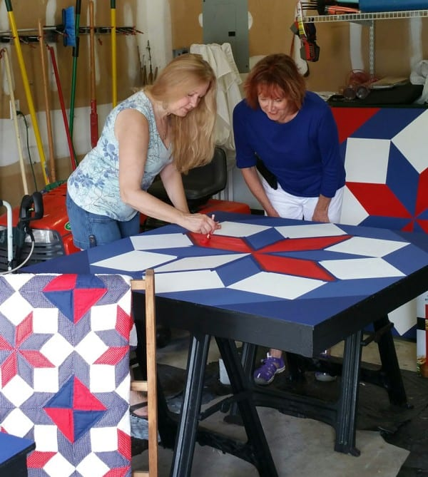 The Eastern side of North Carolina is joining the Barn Quilt Movement with the first quilt block going up on the barn at Big Mill Bed and Breakfast in Williamston, NC. This quilt square will become part of the Tar River Quilt Trail. Learn more on the NC innkeeper's blog. @bigmill www.chloesblog.bigmill.com/big-mill-bed-breakfast-barn-quilt-williamston-nc